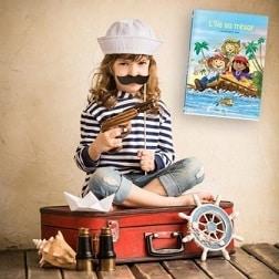 livre pirates et fillette déguisée