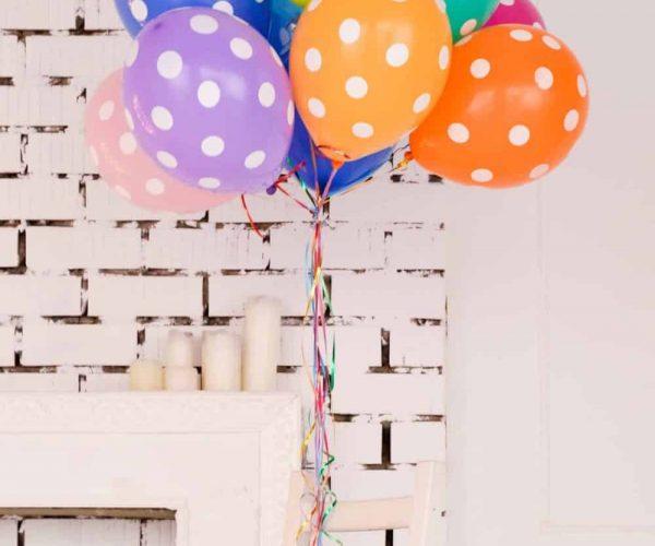 ballons couleur fête invitations