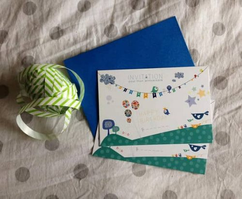 cartes d'invitation pour anniversaire enfant avec enveloppes