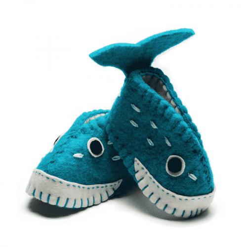 chausson baleine fait main en laine pour bébé