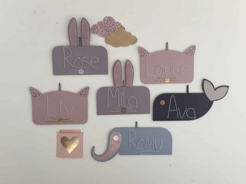 plaques de porte pour enfant bois peint
