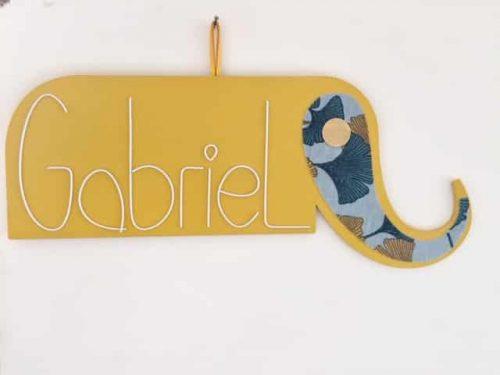 éléphant en bois peint prénom gabriel