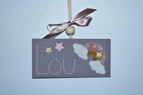 plaque de porte chambre enfant tons mauve Lou arc en ciel