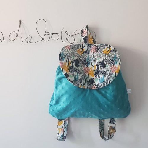 sac à dos pour enfant en maternelle en minkee bleu et tissu animaux